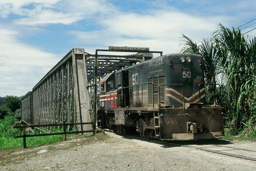 Diesel loc. GE U6B operating as shunting engine at the banana fields in the Valle de Estrella.