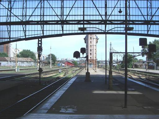 Retiro Mitre, departure section, new signals, water crane for steam engines, signal tower in the background, Buenos Aires.