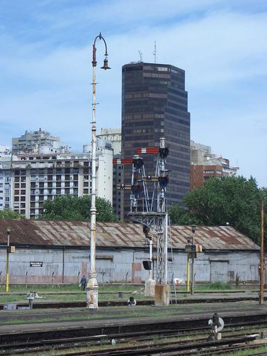Retiro Mitre, departure section, old signals, Buenos Aires.