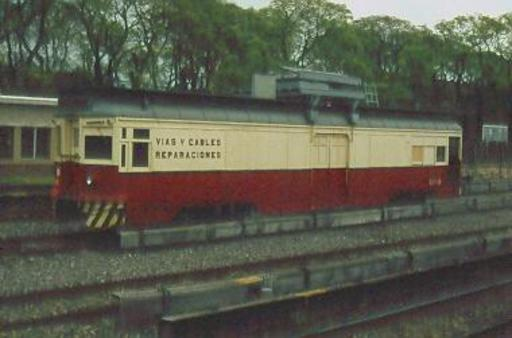 Car 3758: F. Lacroze, 27/10/79, 1435 mm, FC Urquiza, trolley and 3rd rail, former LRT car, converted to a works car for track and current collection.