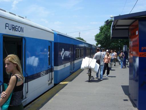 Change to the electric train in Merlo.