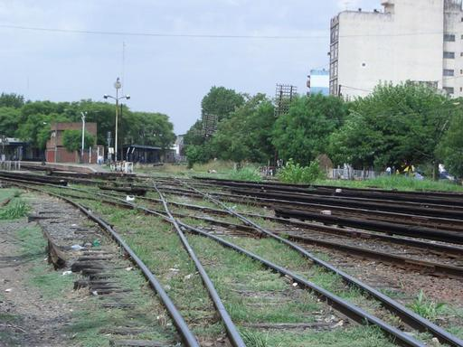 The crossing at Haedo is only used by goods trains of ALL Central.