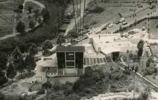 Former lower station. On the left aerial cableway, on the right funicular; after 1955. Monserrate, Colombia.