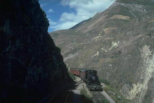 Mountain engine 58 at the upper setting-back track of the Devil's Nose, Ecuador.