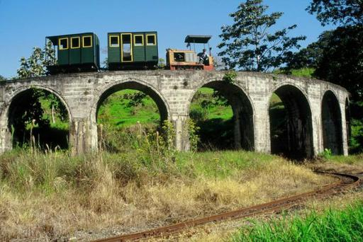 Circular viaduct. Locomotive Diema DL 20, uphill.